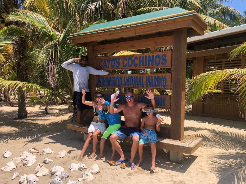 cayos cochinos tours marine park
